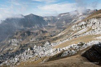"""La """"Piazza del Diavolo"""" prima di giungere alla Busa di Pietena Lungo il sentiero 801 - Alta via delle Dolomiti n° 2 - Parco nazionale Dolomiti Bellunesi"""
