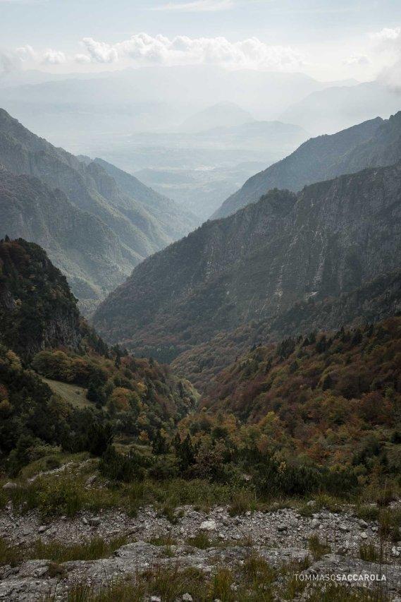 scendendo verso lo Scalon di Pietena - sentiero 816 - Parco nazionale Dolomiti Bellunesi